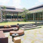 Relaxed but elegant garden setting of Metis Restaurant.