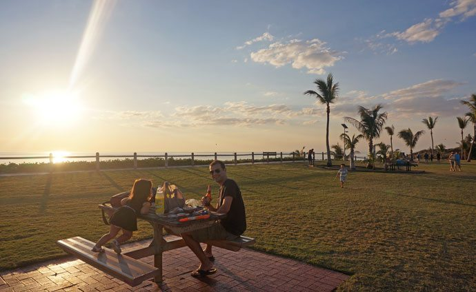 Broome with kids: Ready for sunset, picnic, bubbles and sneaky beers!