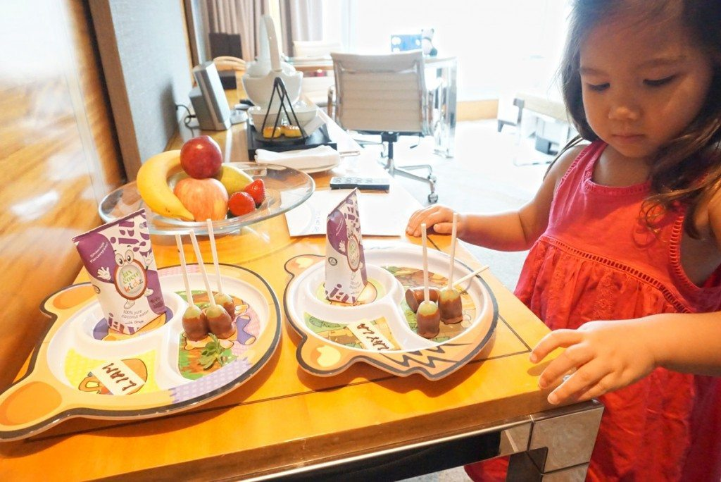 Spoilt from the start, healthy welcome treats for the kids in Four Seasons Family hotel