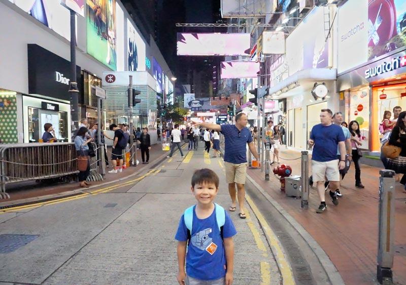 Little shopper in Causeway Bay