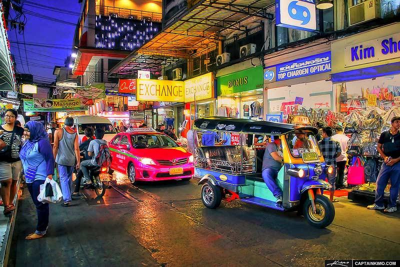 Best things to do in Bangkok with kids. Hit Pratunam Night Markets.